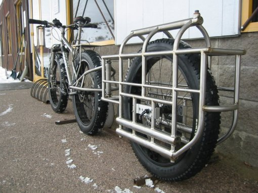 A custome Moots snow bike with custom trailer